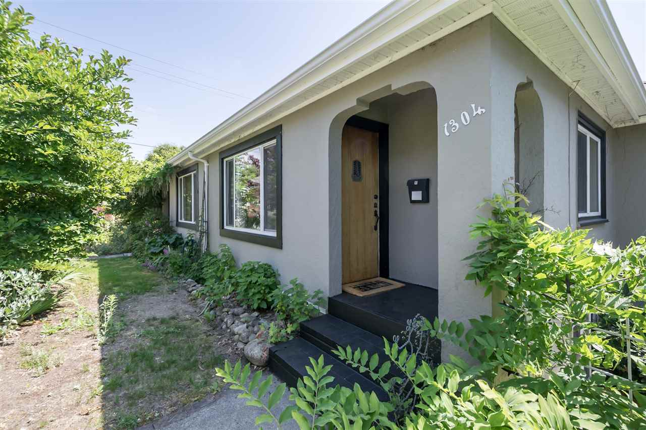 Detached at 1302 HAMILTON STREET, New Westminster, British Columbia. Image 20