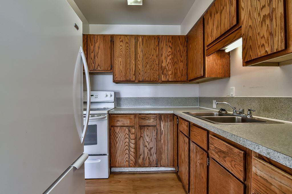 Condo Apartment at 1 1040 PARKER STREET, Unit 1, South Surrey White Rock, British Columbia. Image 2