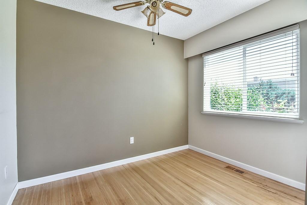 Condo Apartment at 1 1040 PARKER STREET, Unit 1, South Surrey White Rock, British Columbia. Image 7