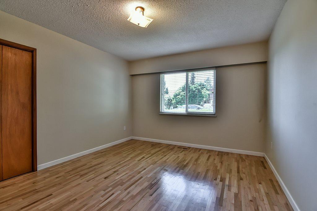 Condo Apartment at 1 1040 PARKER STREET, Unit 1, South Surrey White Rock, British Columbia. Image 9