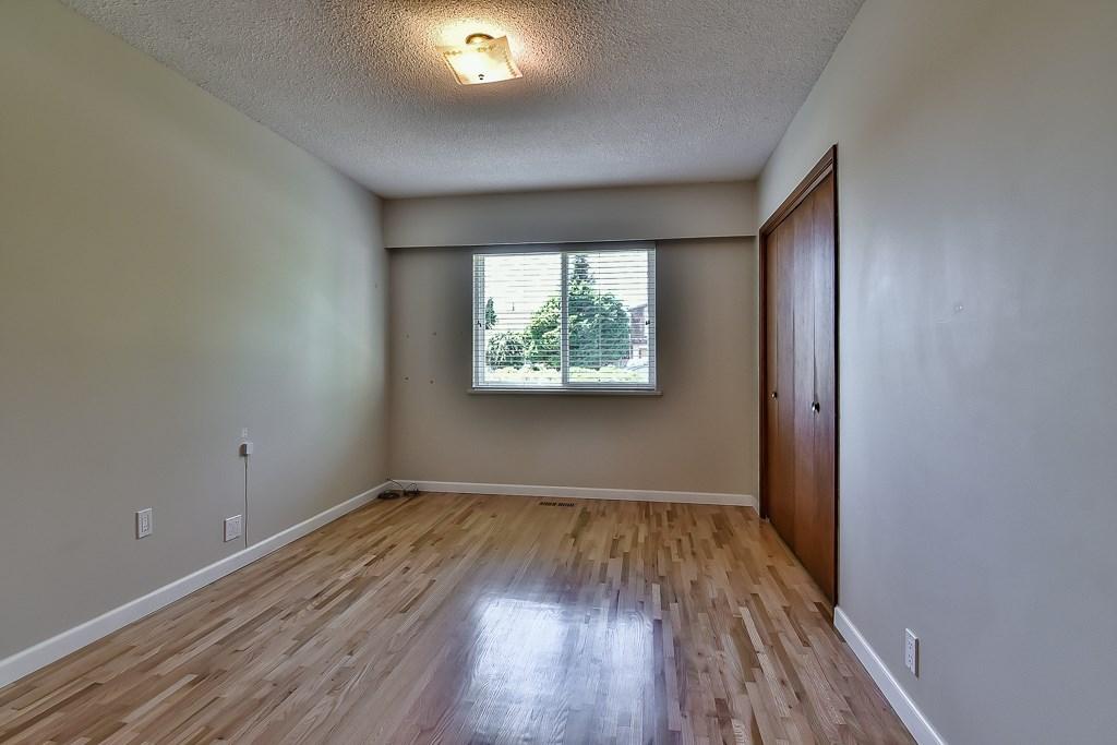 Condo Apartment at 1 1040 PARKER STREET, Unit 1, South Surrey White Rock, British Columbia. Image 11
