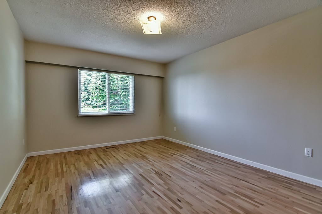 Condo Apartment at 1 1040 PARKER STREET, Unit 1, South Surrey White Rock, British Columbia. Image 12