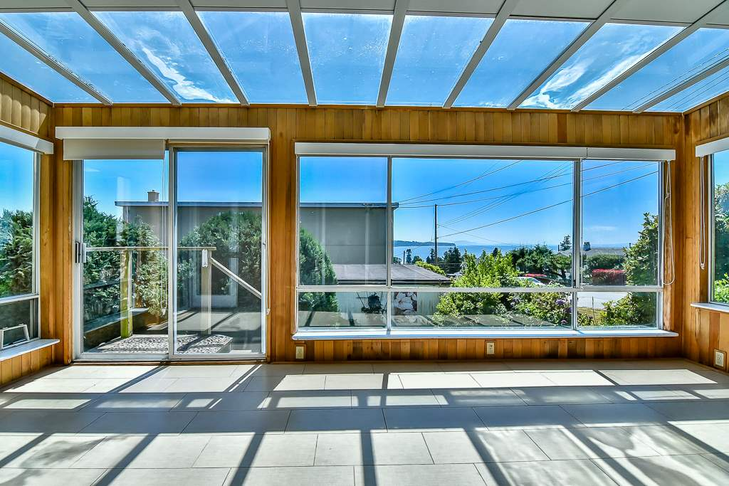 Condo Apartment at 1 1040 PARKER STREET, Unit 1, South Surrey White Rock, British Columbia. Image 13