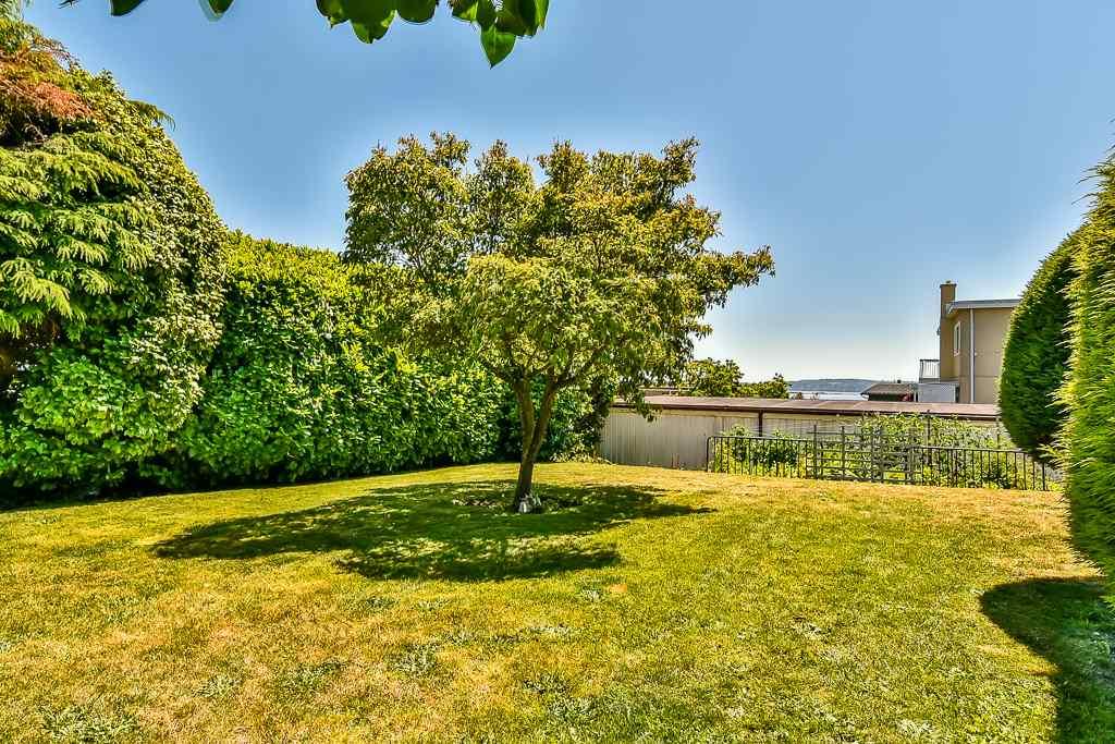 Condo Apartment at 1 1040 PARKER STREET, Unit 1, South Surrey White Rock, British Columbia. Image 18
