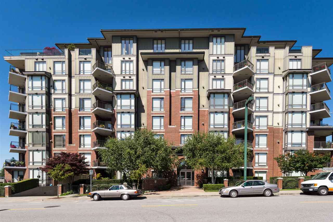 Condo Apartment at 302 1551 FOSTER STREET, Unit 302, South Surrey White Rock, British Columbia. Image 1