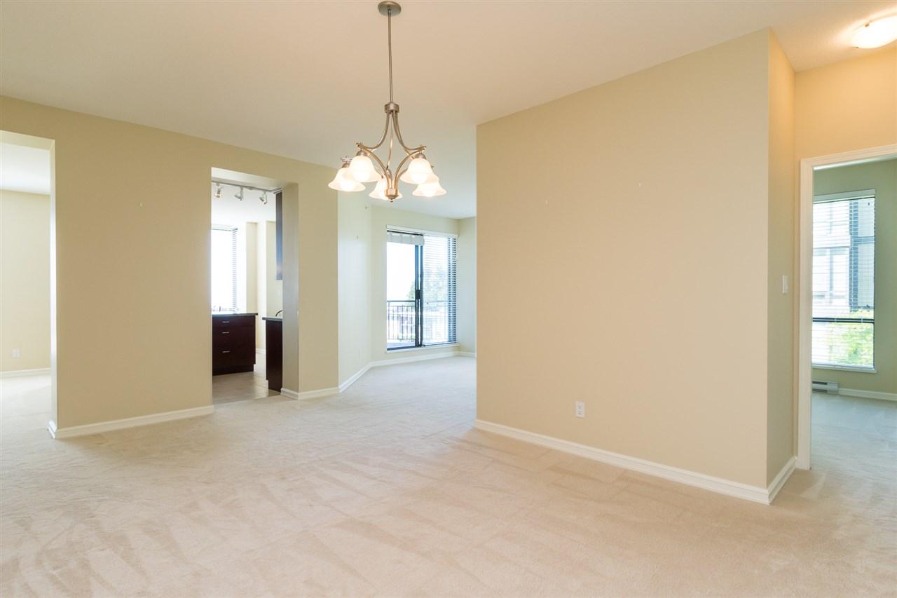 Condo Apartment at 302 1551 FOSTER STREET, Unit 302, South Surrey White Rock, British Columbia. Image 3