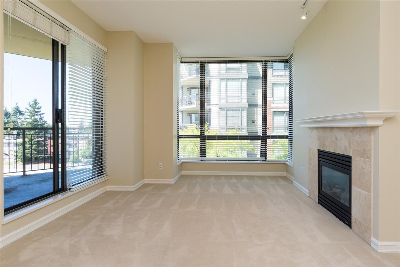 Condo Apartment at 302 1551 FOSTER STREET, Unit 302, South Surrey White Rock, British Columbia. Image 4