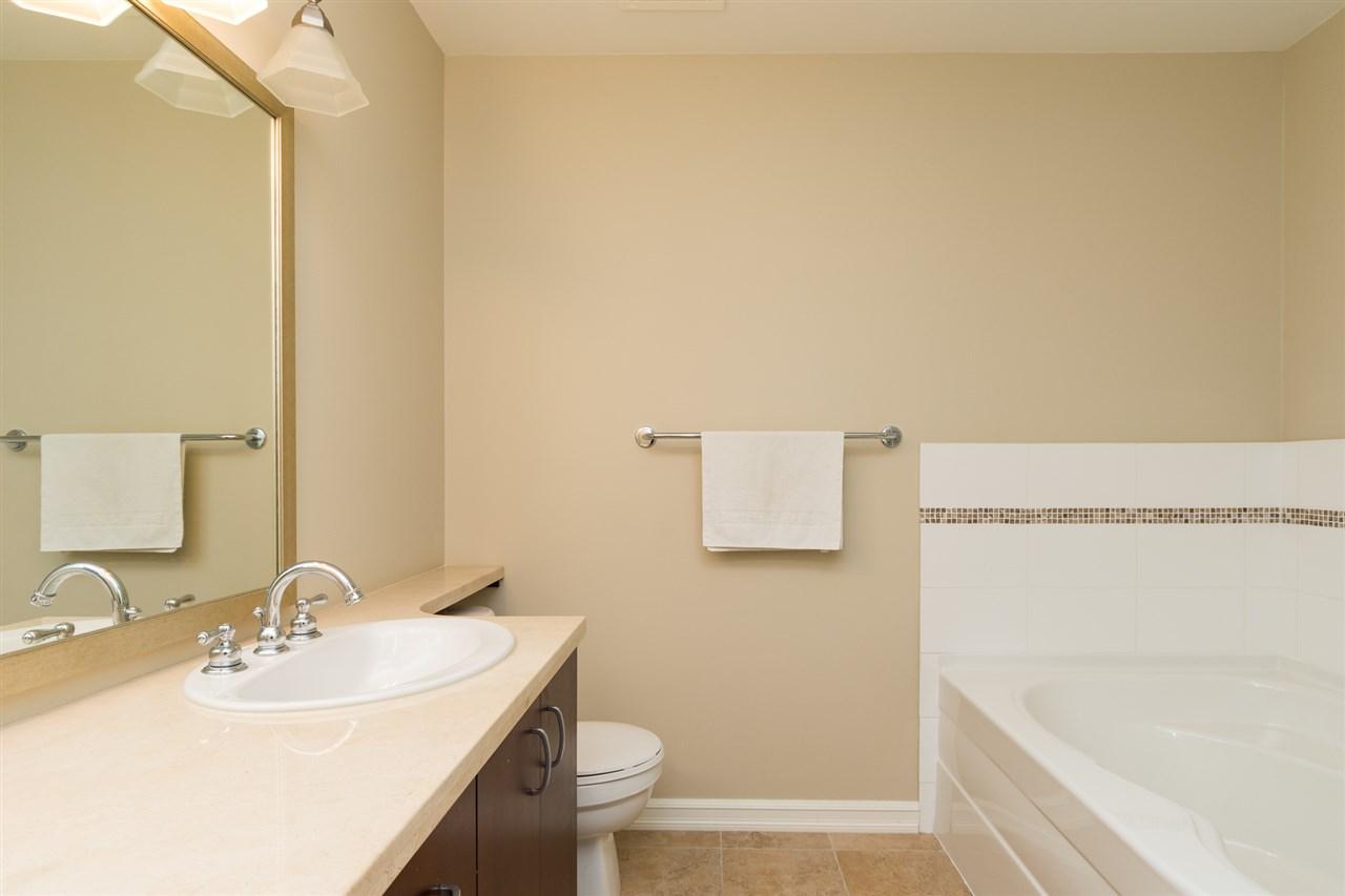 Condo Apartment at 302 1551 FOSTER STREET, Unit 302, South Surrey White Rock, British Columbia. Image 9