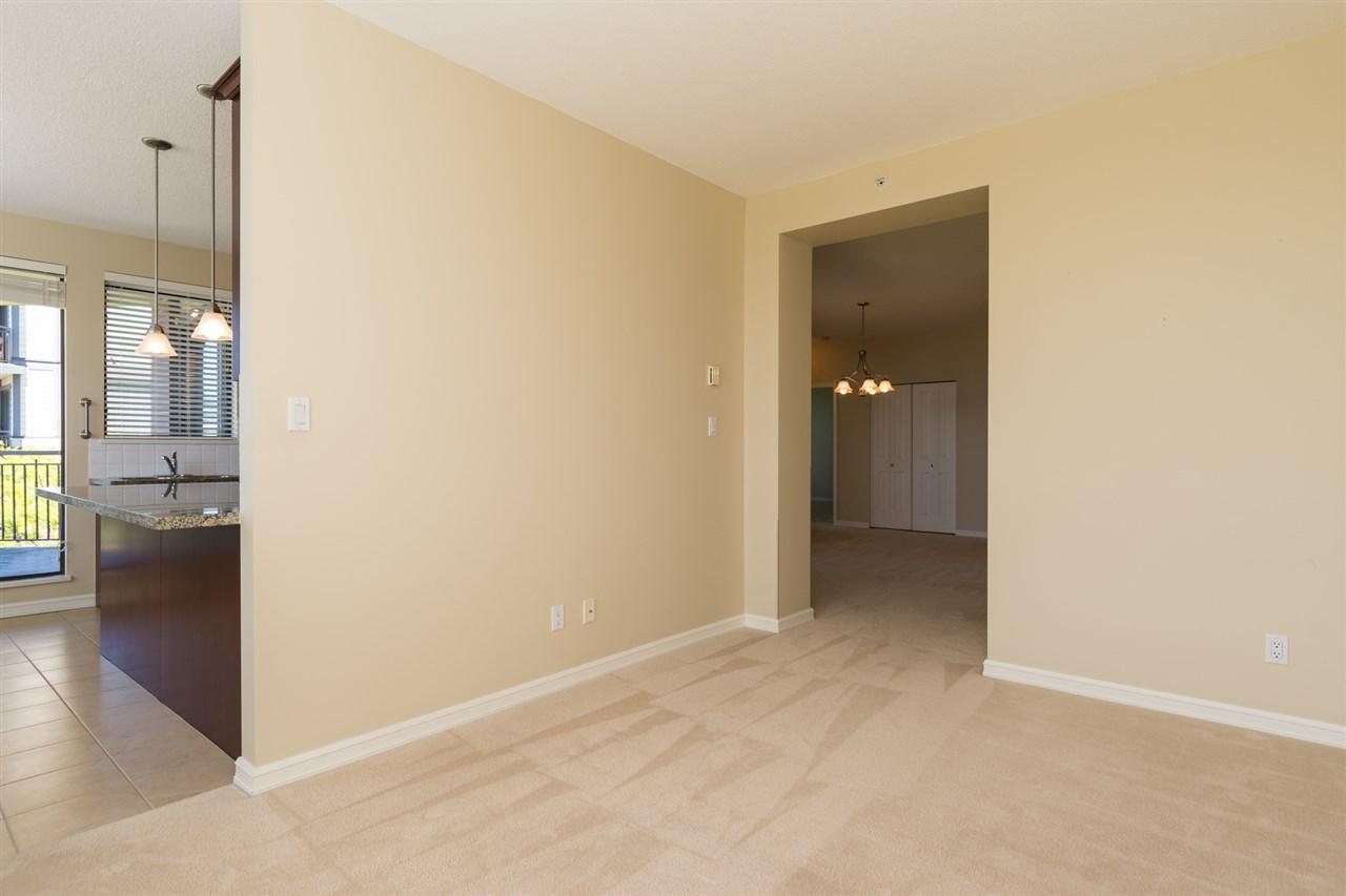 Condo Apartment at 302 1551 FOSTER STREET, Unit 302, South Surrey White Rock, British Columbia. Image 13