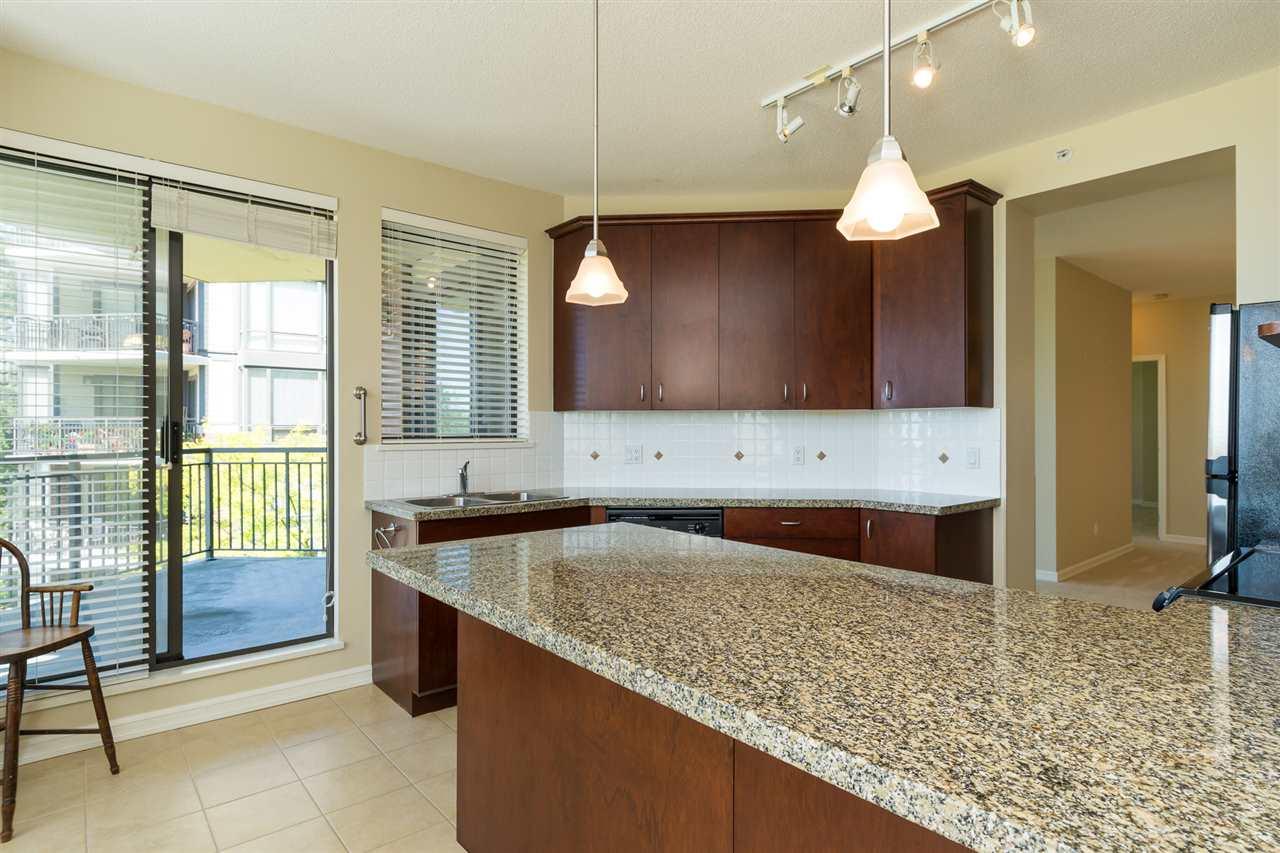 Condo Apartment at 302 1551 FOSTER STREET, Unit 302, South Surrey White Rock, British Columbia. Image 17