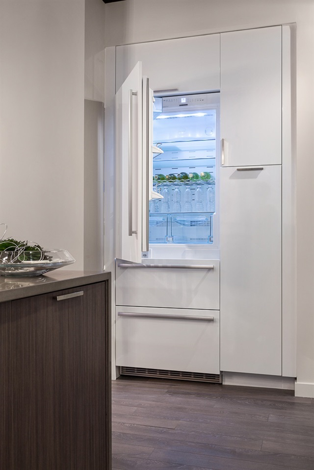 Condo Apartment at 606 5599 COONEY ROAD, Unit 606, Richmond, British Columbia. Image 9