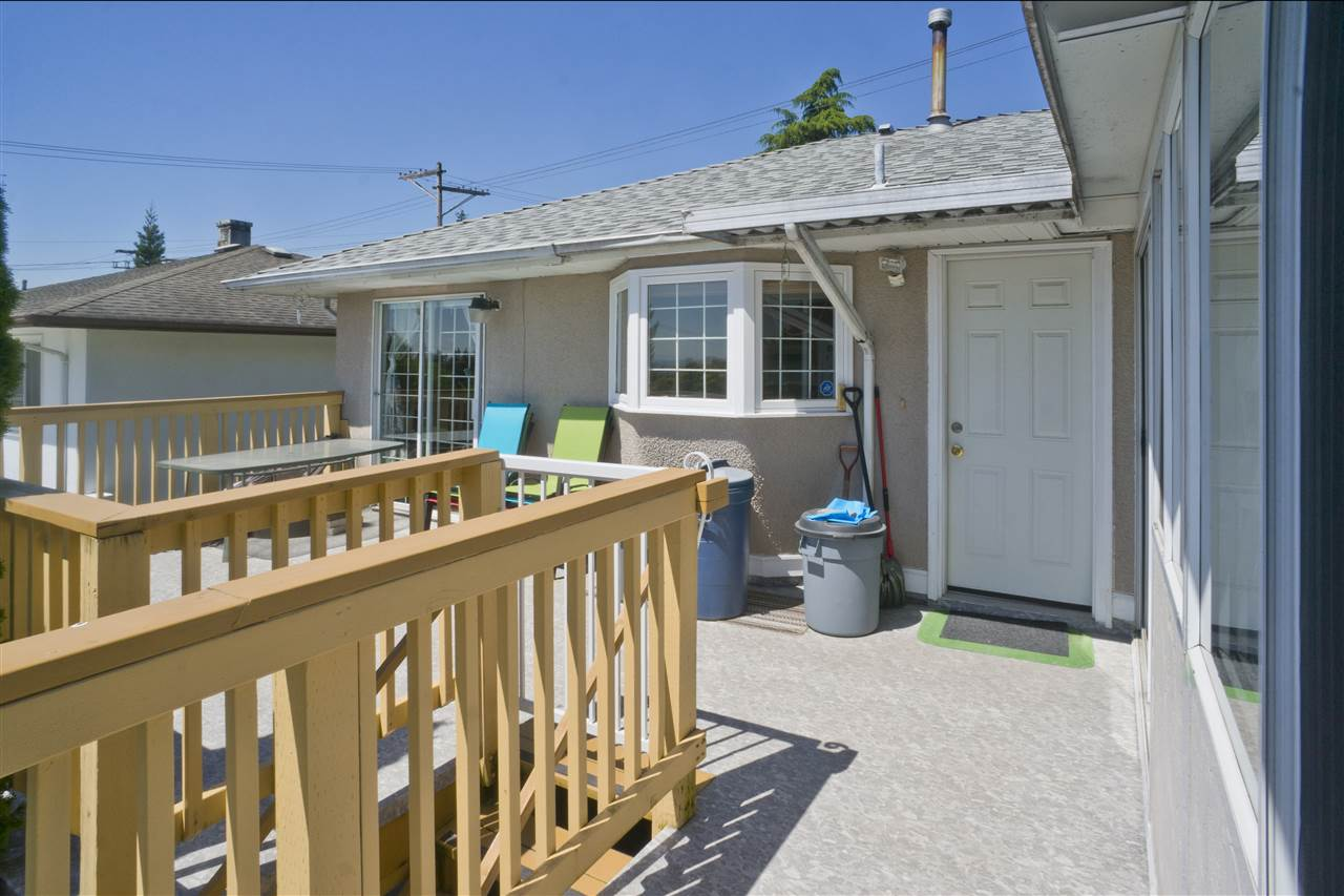 Detached at 4126 RUMBLE STREET, Burnaby South, British Columbia. Image 4