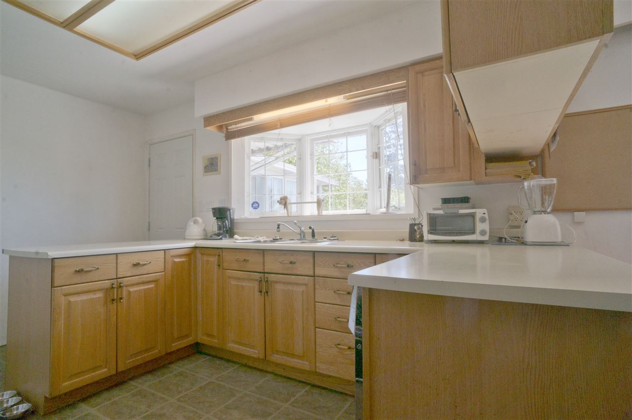 Detached at 4126 RUMBLE STREET, Burnaby South, British Columbia. Image 8