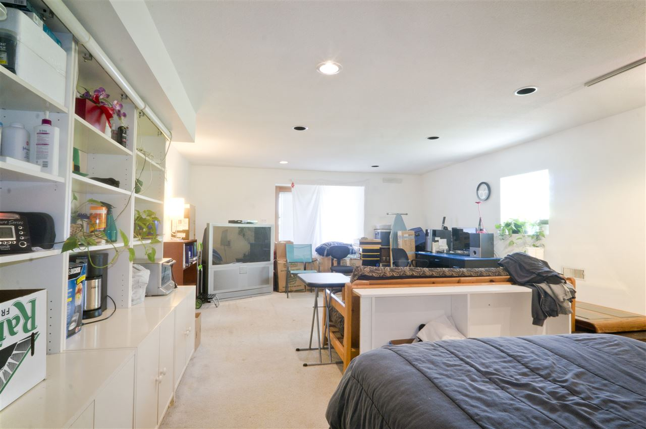 Detached at 4126 RUMBLE STREET, Burnaby South, British Columbia. Image 15