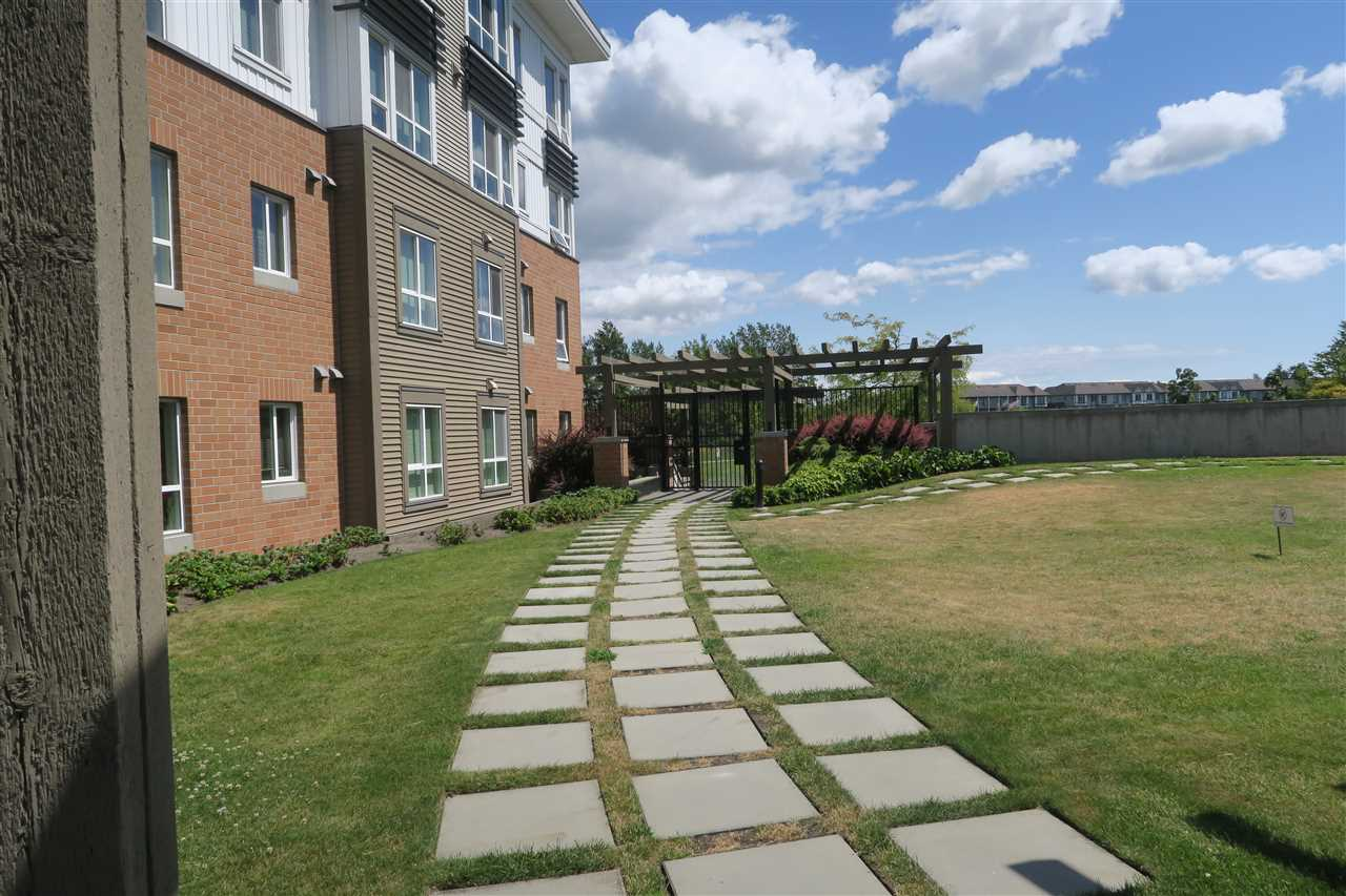 Condo Apartment at 115 9399 TOMICKI AVENUE, Unit 115, Richmond, British Columbia. Image 17