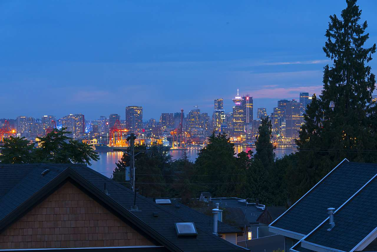Half-duplex at 372 E 5TH STREET, North Vancouver, British Columbia. Image 10