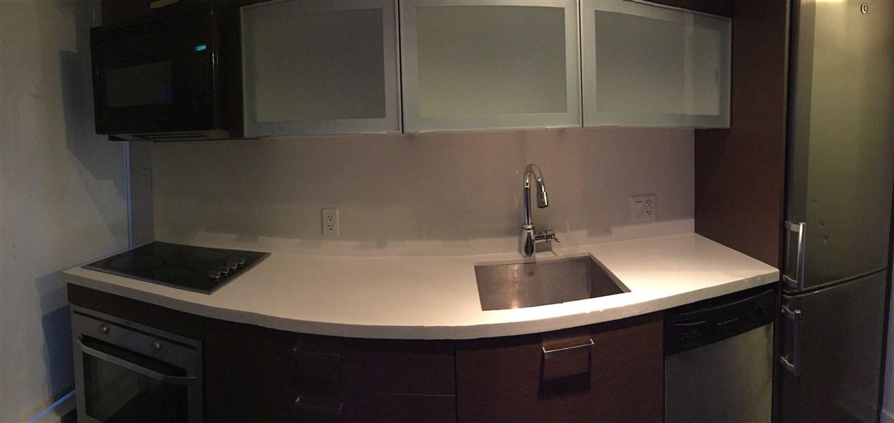 Condo Apartment at 303 13380 108 AVENUE, Unit 303, North Surrey, British Columbia. Image 11
