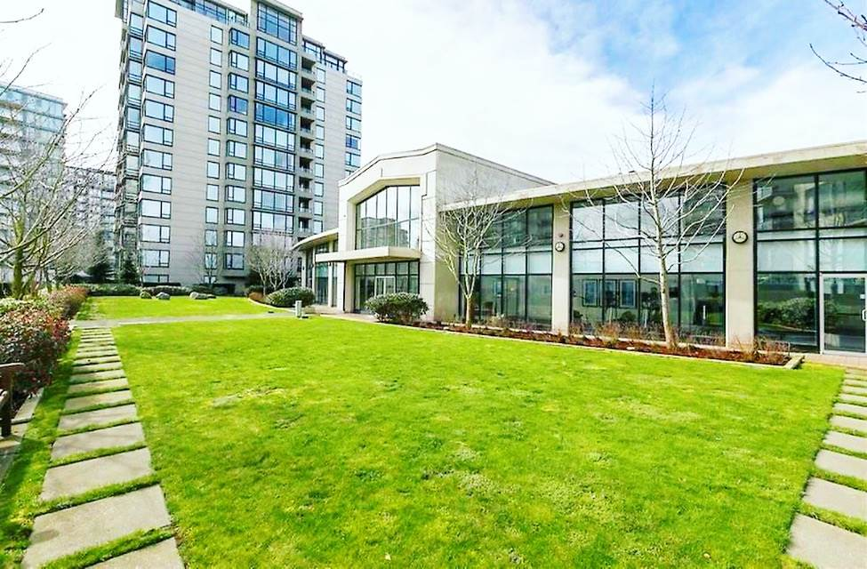 Condo Apartment at 1009 9180 HEMLOCK DRIVE, Unit 1009, Richmond, British Columbia. Image 2