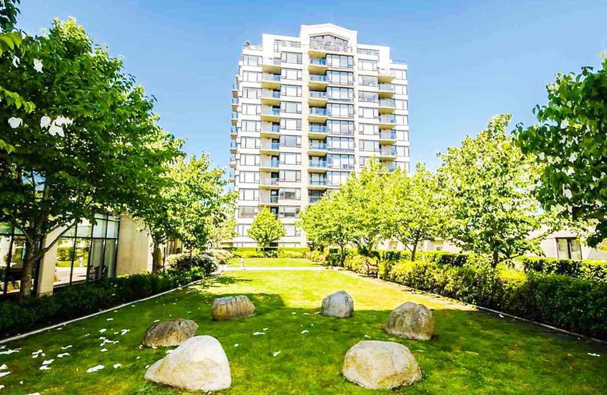 Condo Apartment at 1009 9180 HEMLOCK DRIVE, Unit 1009, Richmond, British Columbia. Image 3