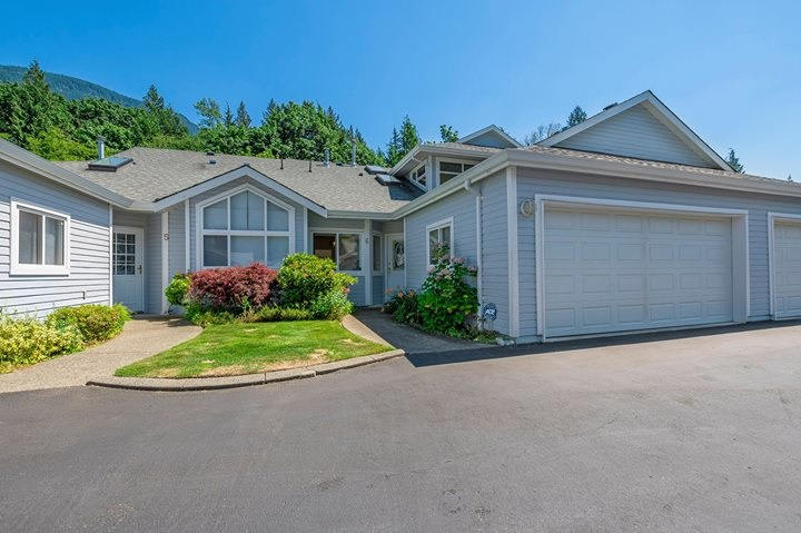 Townhouse at 6 730 MCCOMBS DRIVE, Unit 6, Harrison Hot Springs, British Columbia. Image 1