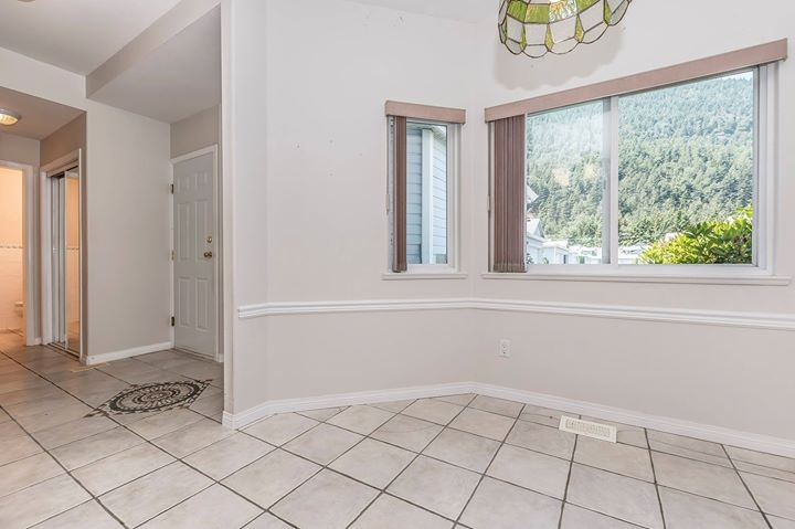 Townhouse at 6 730 MCCOMBS DRIVE, Unit 6, Harrison Hot Springs, British Columbia. Image 3