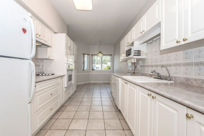 Townhouse at 6 730 MCCOMBS DRIVE, Unit 6, Harrison Hot Springs, British Columbia. Image 4