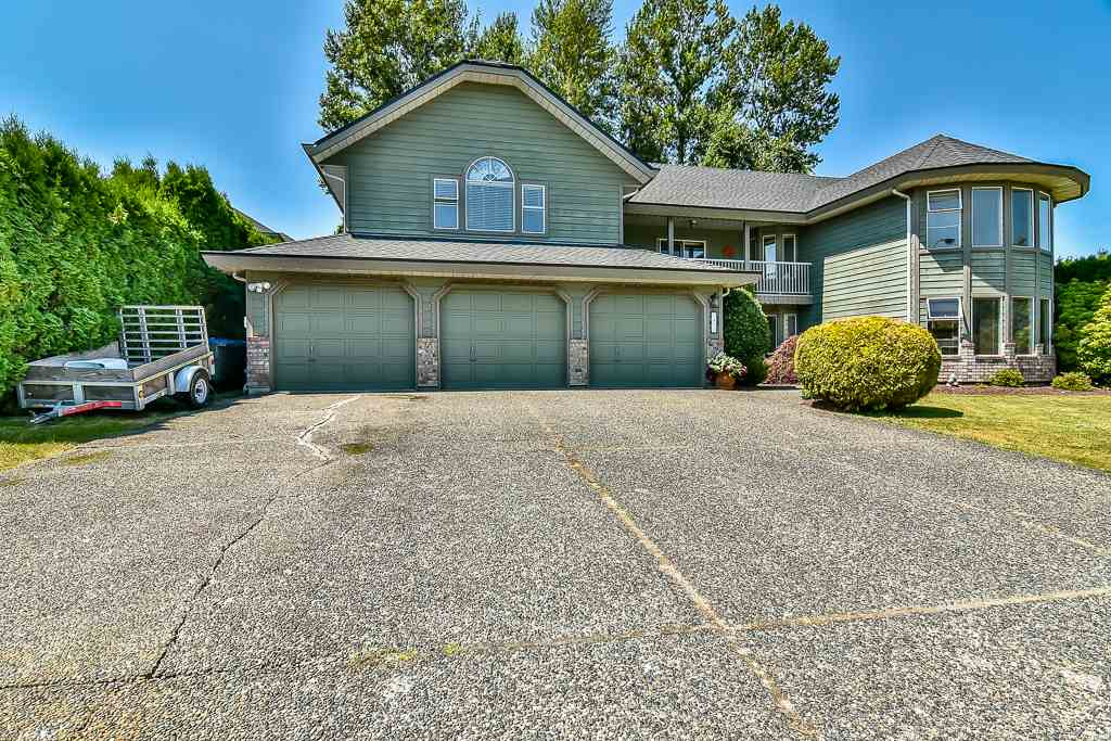 Detached at 7409 150A STREET, Surrey, British Columbia. Image 1