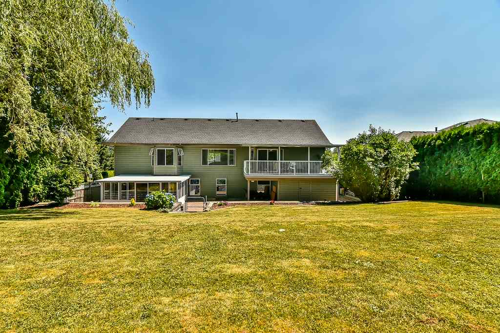 Detached at 7409 150A STREET, Surrey, British Columbia. Image 20