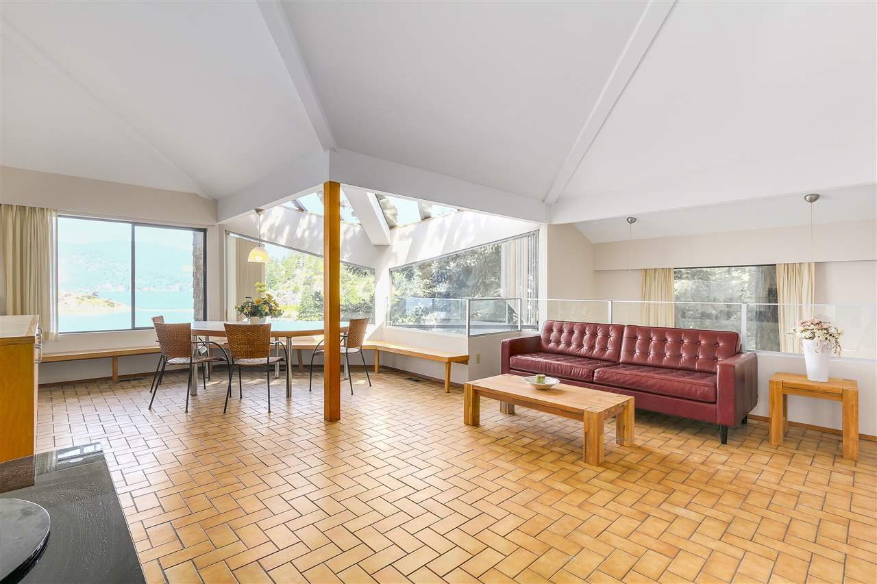 Detached at 6648 MARINE DRIVE, West Vancouver, British Columbia. Image 6