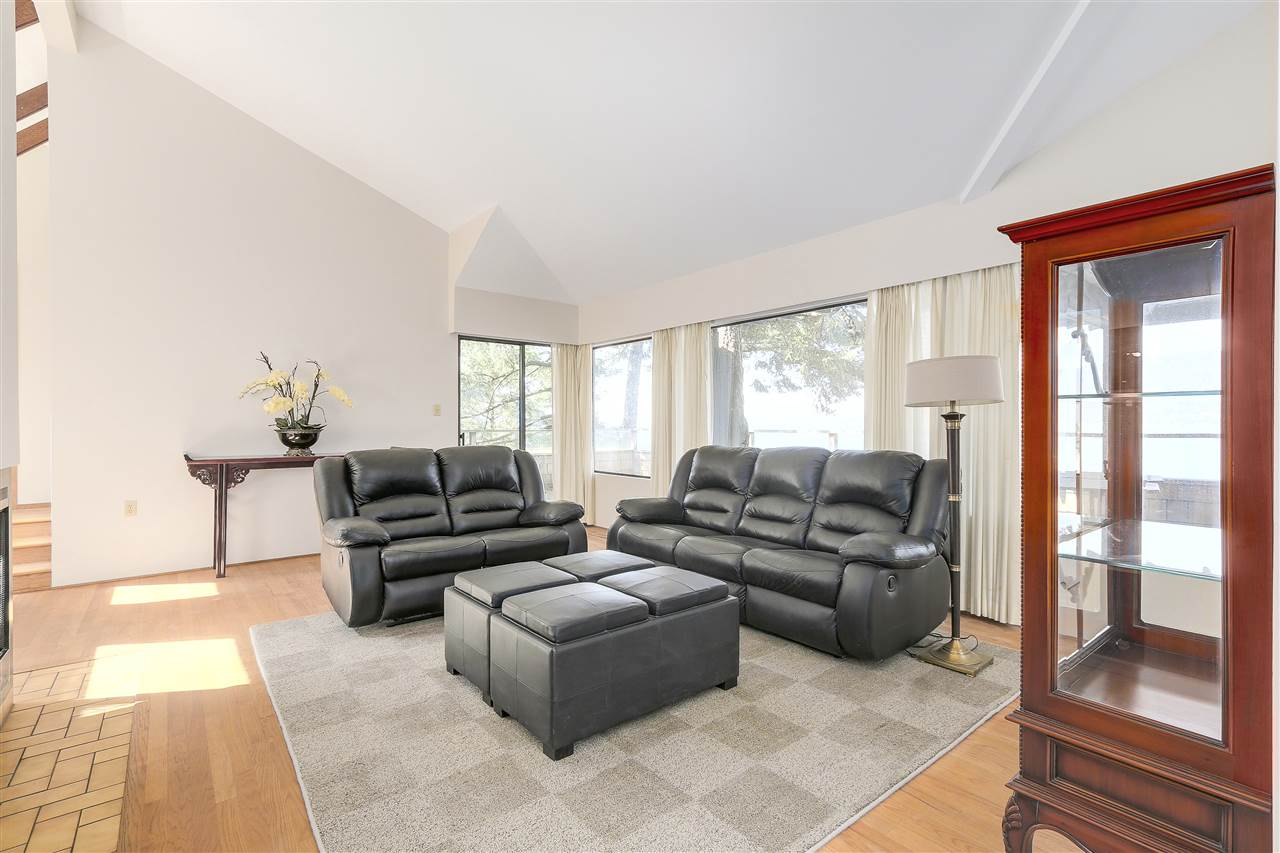 Detached at 6648 MARINE DRIVE, West Vancouver, British Columbia. Image 7