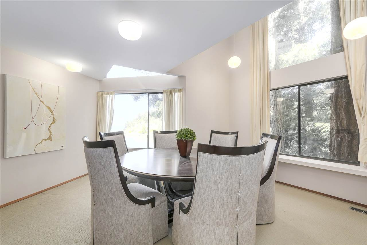 Detached at 6648 MARINE DRIVE, West Vancouver, British Columbia. Image 8