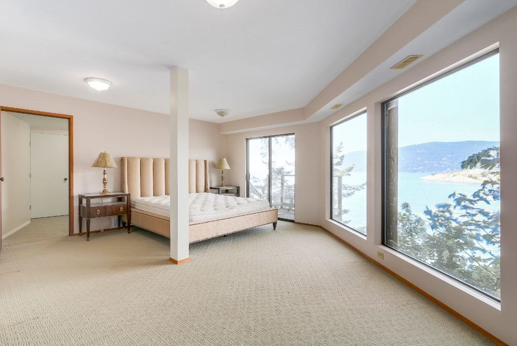 Detached at 6648 MARINE DRIVE, West Vancouver, British Columbia. Image 9