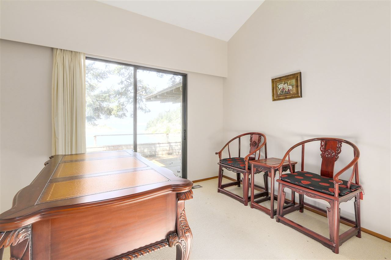 Detached at 6648 MARINE DRIVE, West Vancouver, British Columbia. Image 13