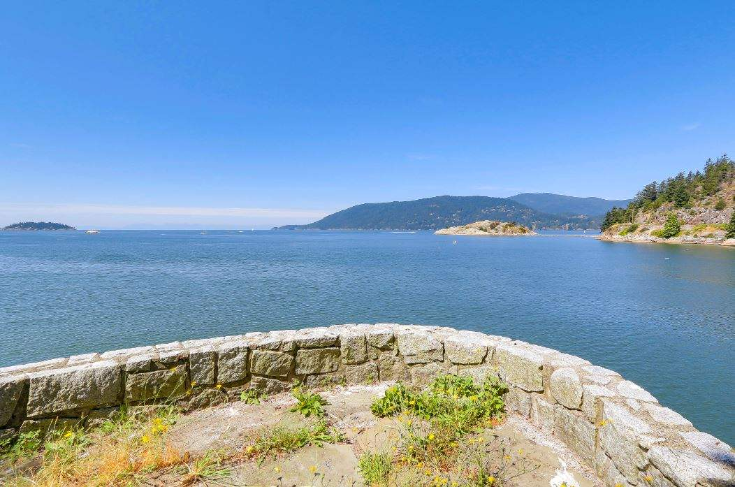 Detached at 6648 MARINE DRIVE, West Vancouver, British Columbia. Image 16