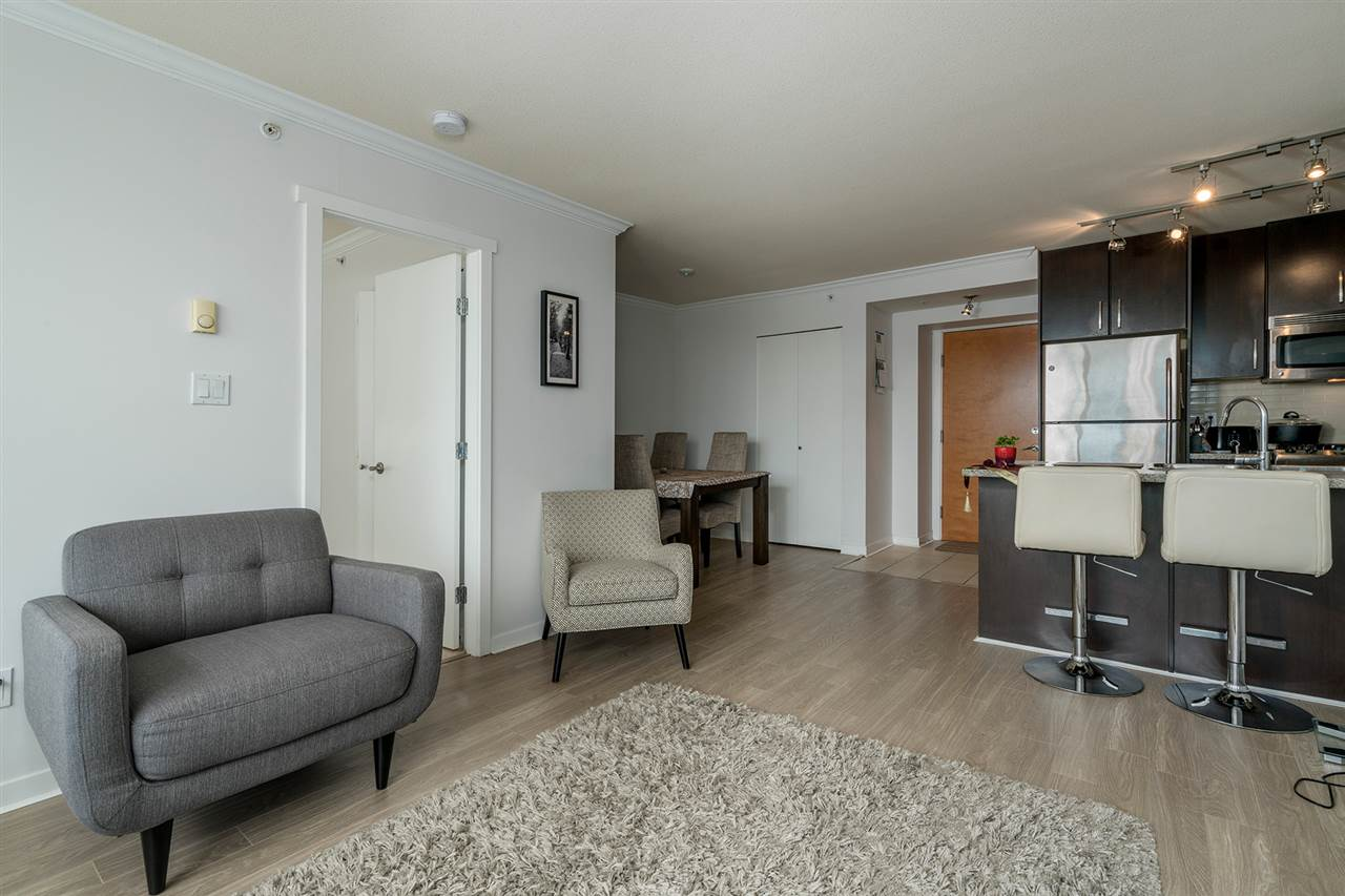 Condo Apartment at 2009 651 NOOTKA WAY, Unit 2009, Port Moody, British Columbia. Image 3