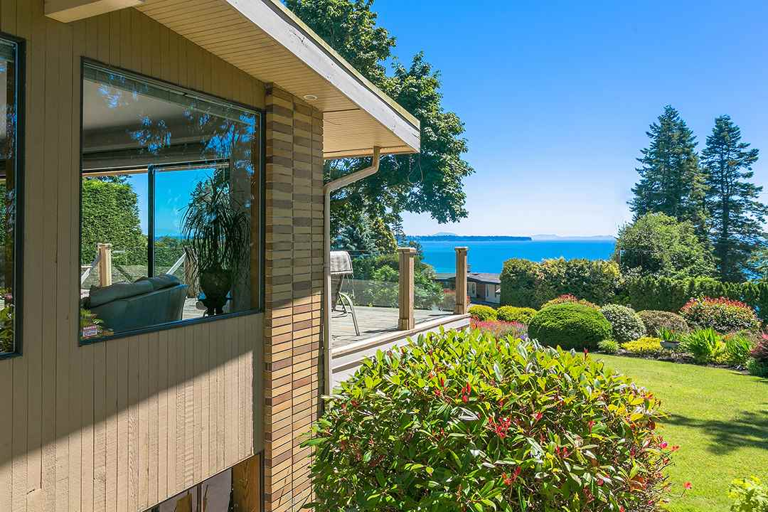 Detached at 1332 133A STREET, South Surrey White Rock, British Columbia. Image 5