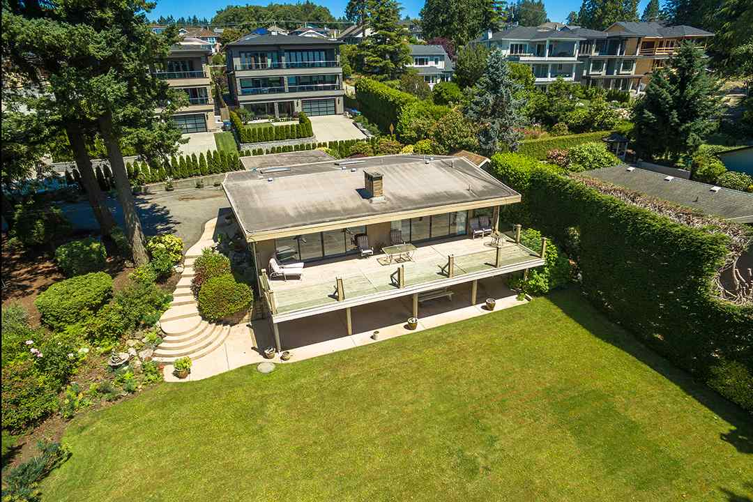 Detached at 1332 133A STREET, South Surrey White Rock, British Columbia. Image 8