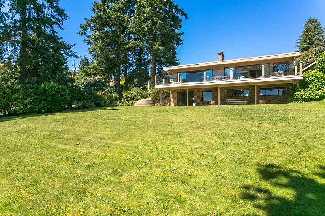 Detached at 1332 133A STREET, South Surrey White Rock, British Columbia. Image 15