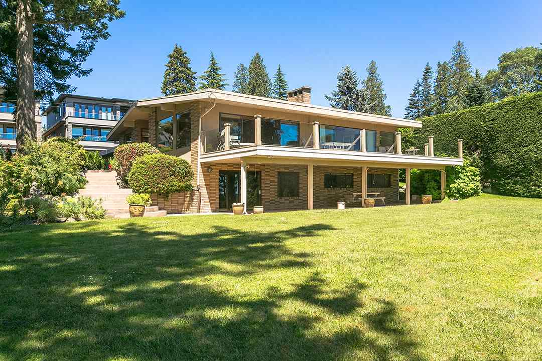 Detached at 1332 133A STREET, South Surrey White Rock, British Columbia. Image 17
