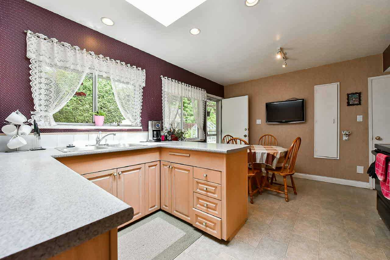 Detached at 81 GLENGARRY CRESCENT, West Vancouver, British Columbia. Image 7