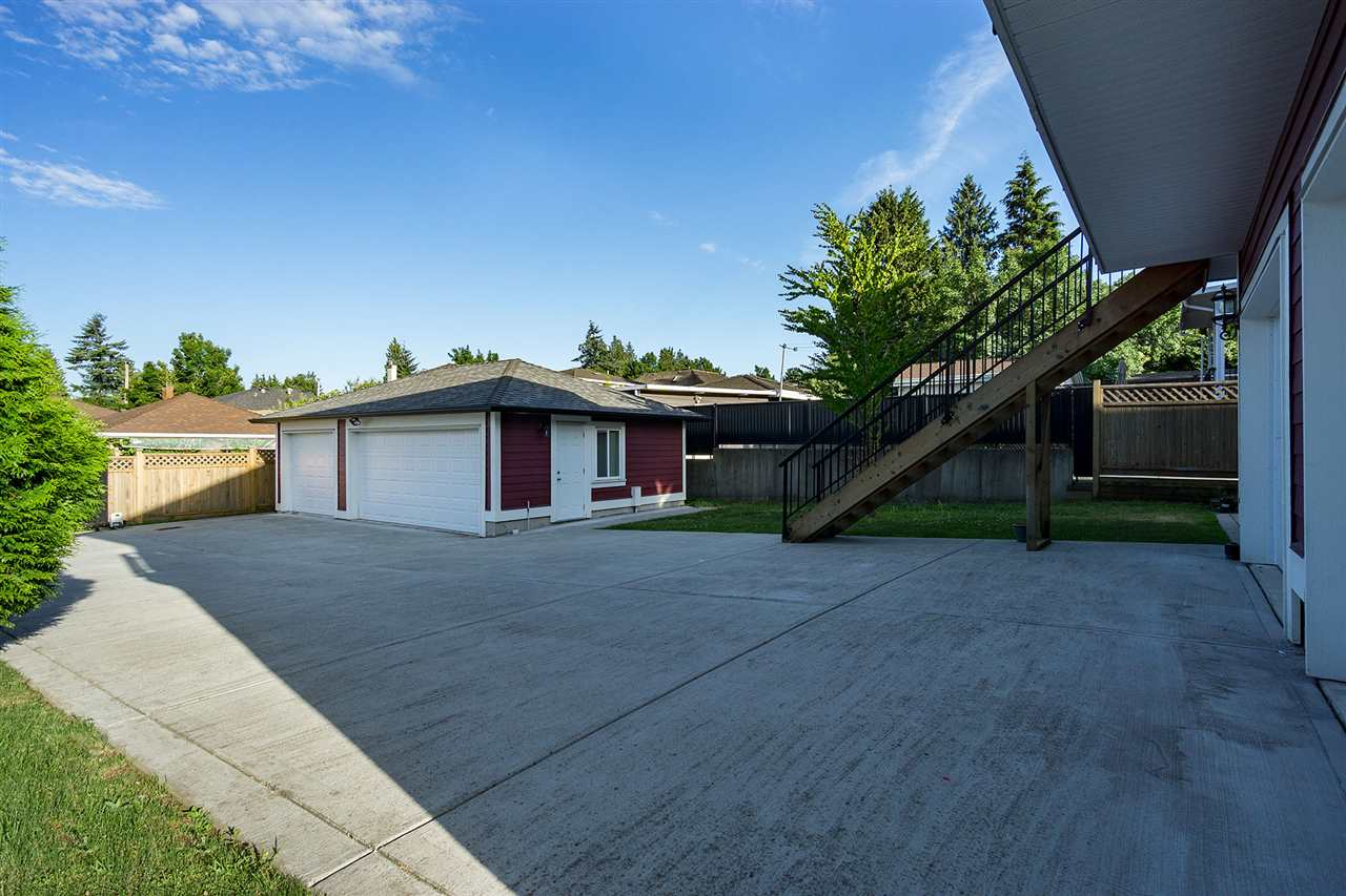 Detached at 6130 PEARL AVENUE, Burnaby South, British Columbia. Image 20