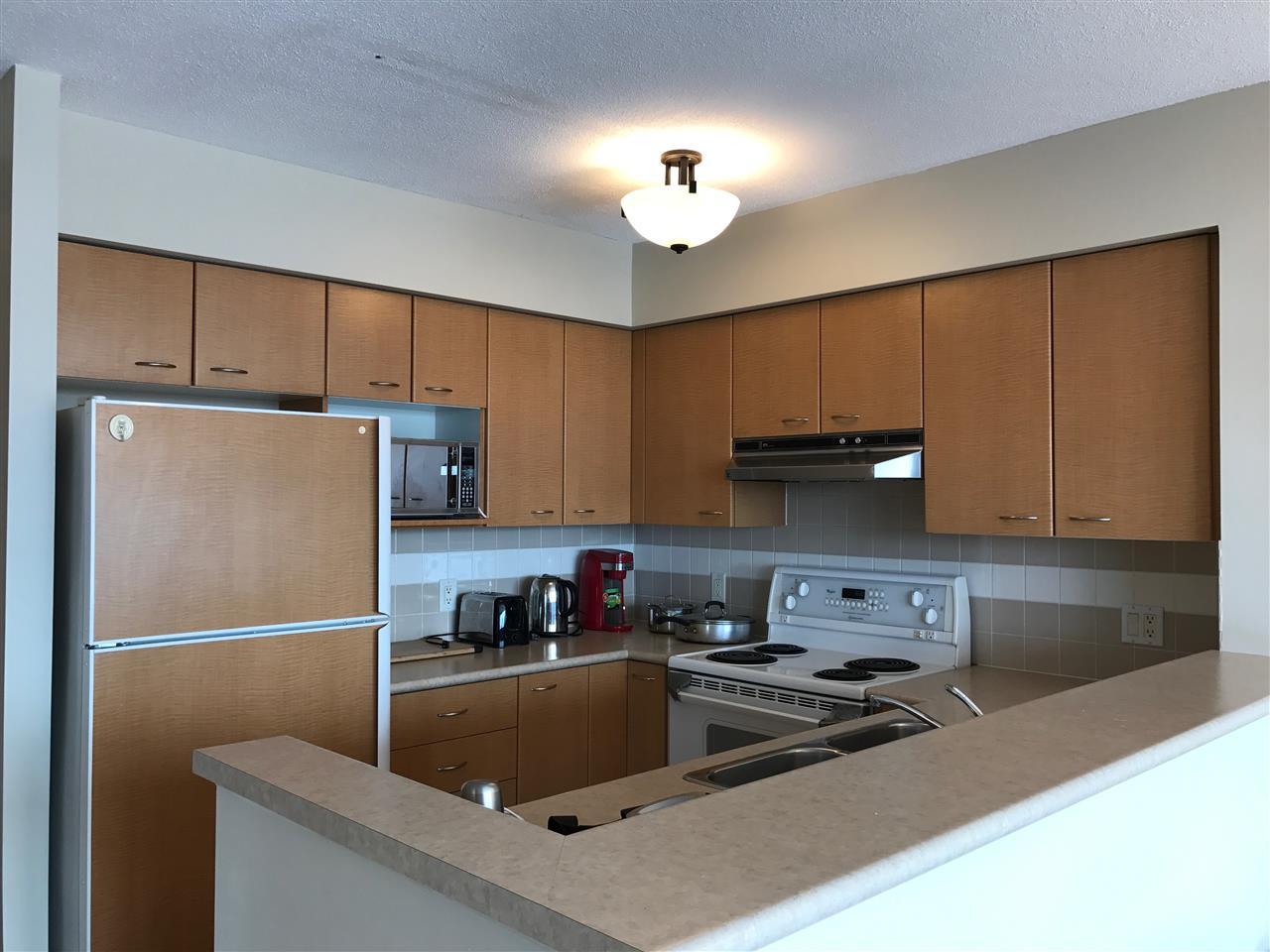 Condo Apartment at 2103 6088 WILLINGDON AVENUE, Unit 2103, Burnaby South, British Columbia. Image 3