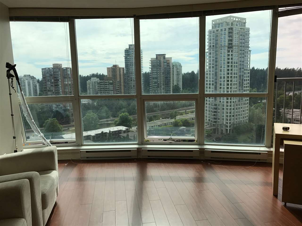 Condo Apartment at 2103 6088 WILLINGDON AVENUE, Unit 2103, Burnaby South, British Columbia. Image 4
