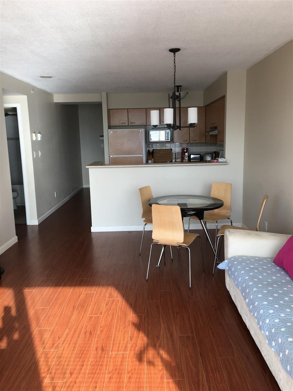 Condo Apartment at 2103 6088 WILLINGDON AVENUE, Unit 2103, Burnaby South, British Columbia. Image 6