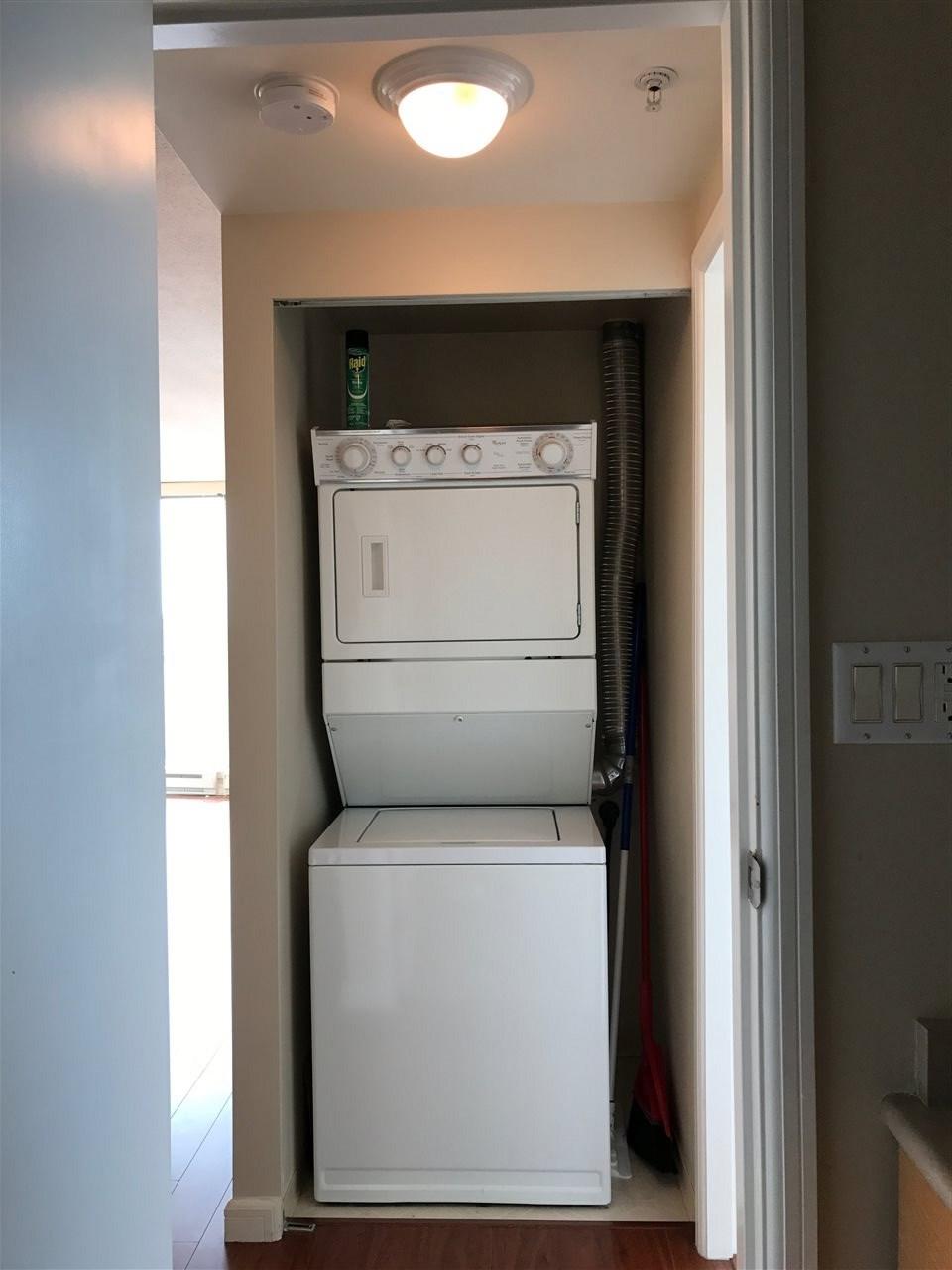 Condo Apartment at 2103 6088 WILLINGDON AVENUE, Unit 2103, Burnaby South, British Columbia. Image 7