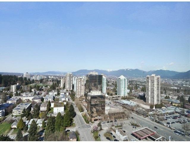 Condo Apartment at 2103 6088 WILLINGDON AVENUE, Unit 2103, Burnaby South, British Columbia. Image 13