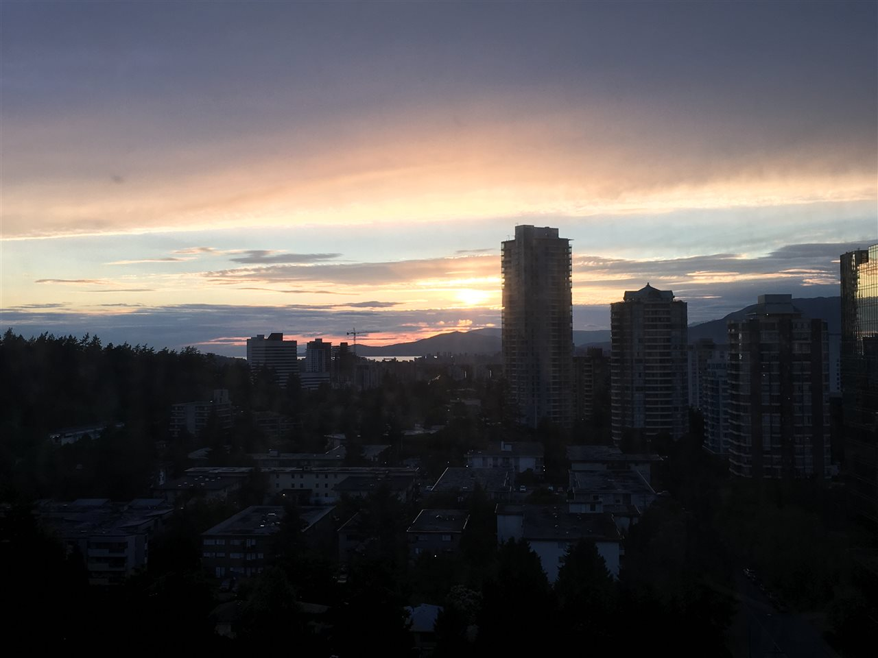 Condo Apartment at 2103 6088 WILLINGDON AVENUE, Unit 2103, Burnaby South, British Columbia. Image 14