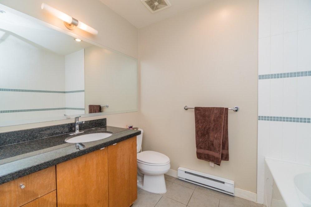 Condo Apartment at 1802 6233 KATSURA STREET, Unit 1802, Richmond, British Columbia. Image 12