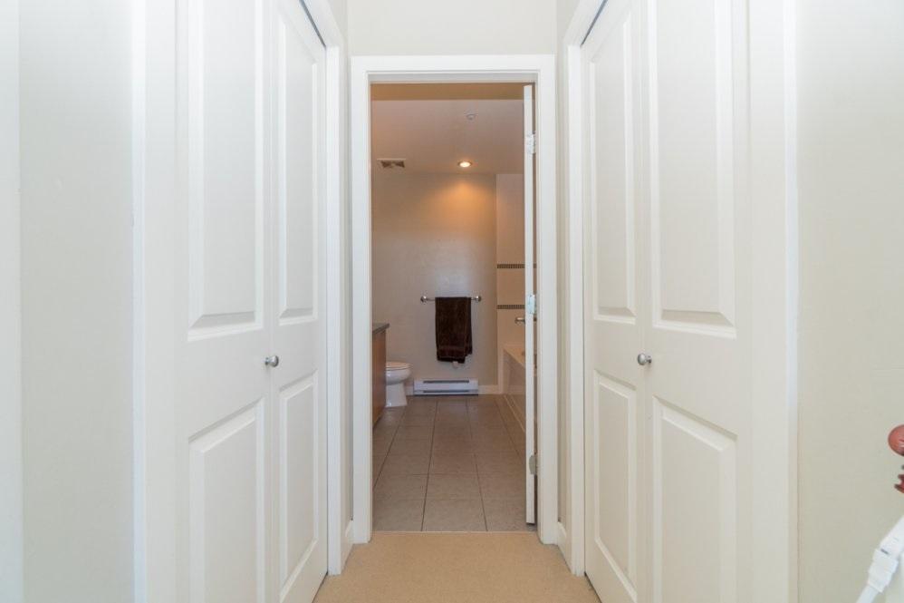 Condo Apartment at 1802 6233 KATSURA STREET, Unit 1802, Richmond, British Columbia. Image 14