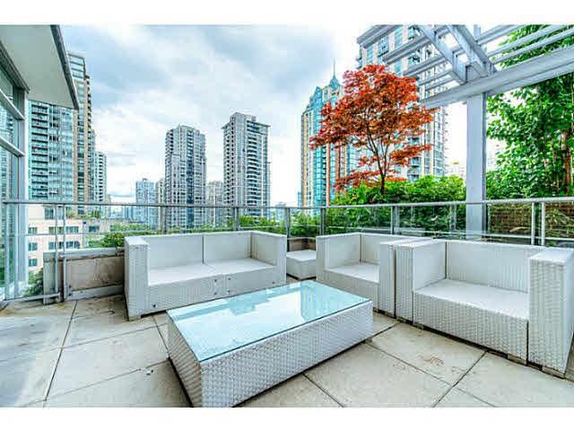 Condo Apartment at 301 535 SMITHE STREET, Unit 301, Vancouver West, British Columbia. Image 3